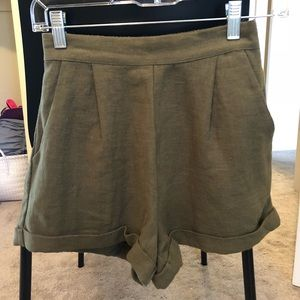 NWT High-waisted Olive Green Shorts